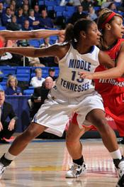 Junior Icelyn Elie led all players with 22 points at North Texas Thursday.