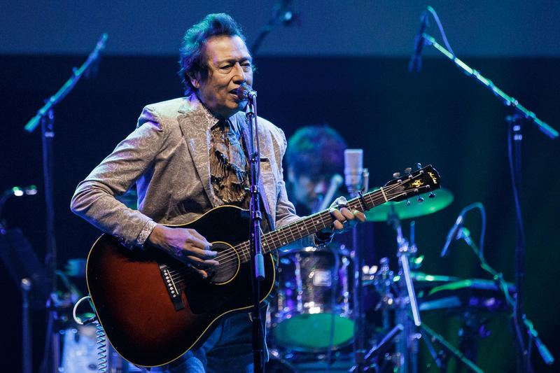 Alejandro Escovedo kicked off his current Think About The Link Tour at the Moody Theater in Austin.