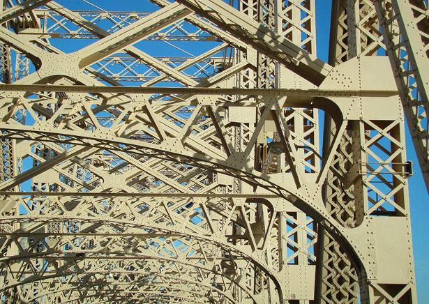 "<a href=""http://www.publicdomainpictures.net/view-image.php?image=6004&picture=bridge"">Bridge</a> by Bobby Mikul"