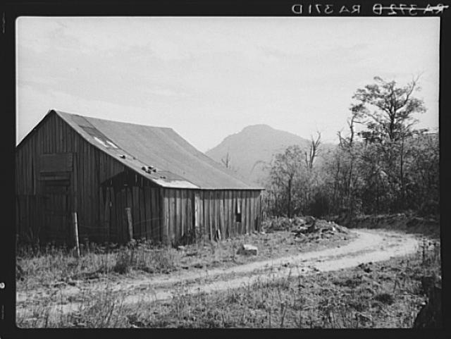 A barn on a road to Old Rag.