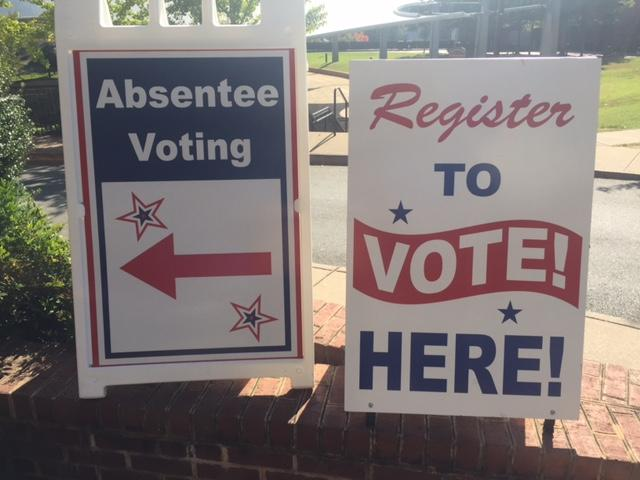 Voting signs at Charlottesville Registrar's Office.