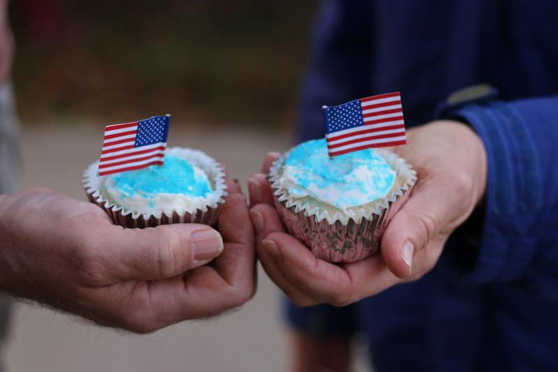 Blue cupcakes... if you're leaning that way.