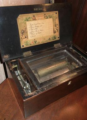A music box at the Kimball House Museum