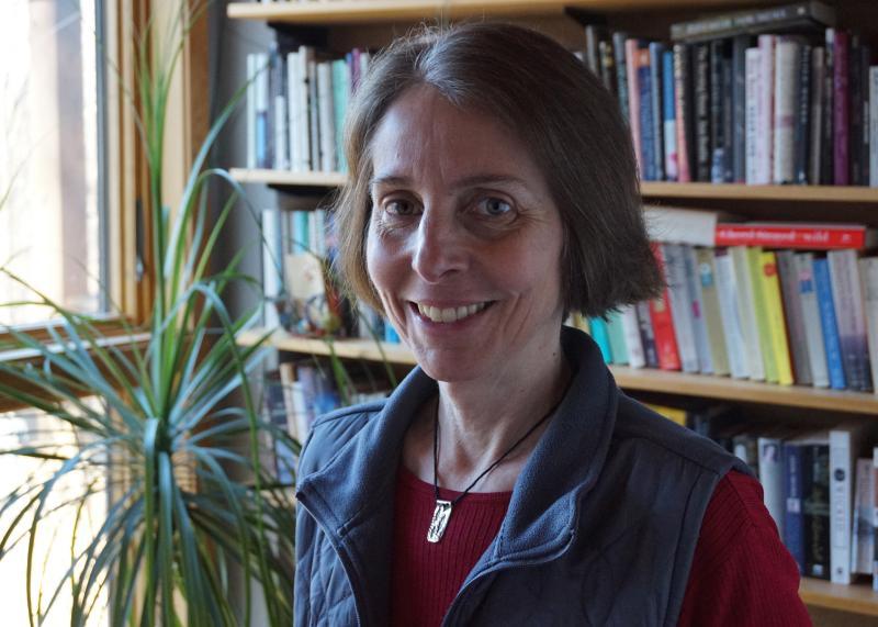 Author Lisa Lenzo