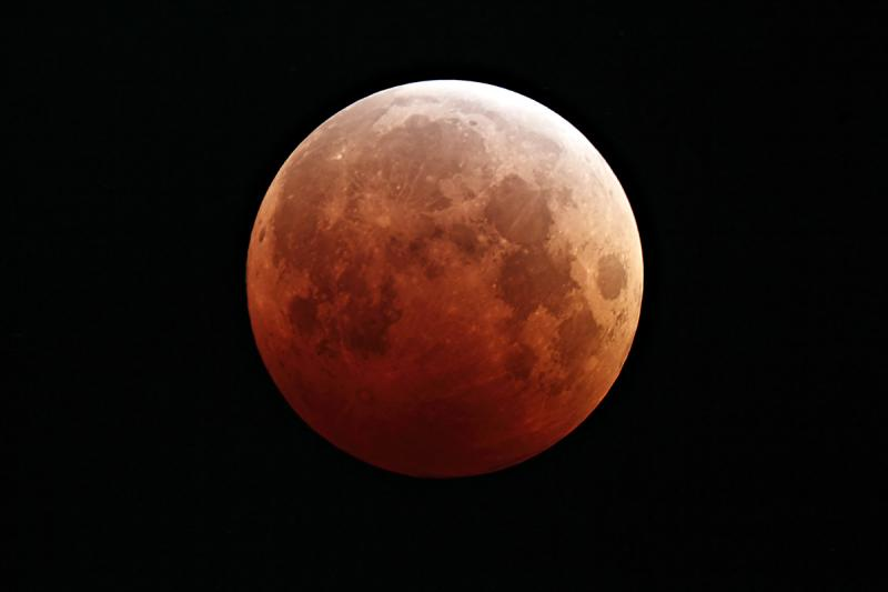 The lunar eclipse on October 8, 2014
