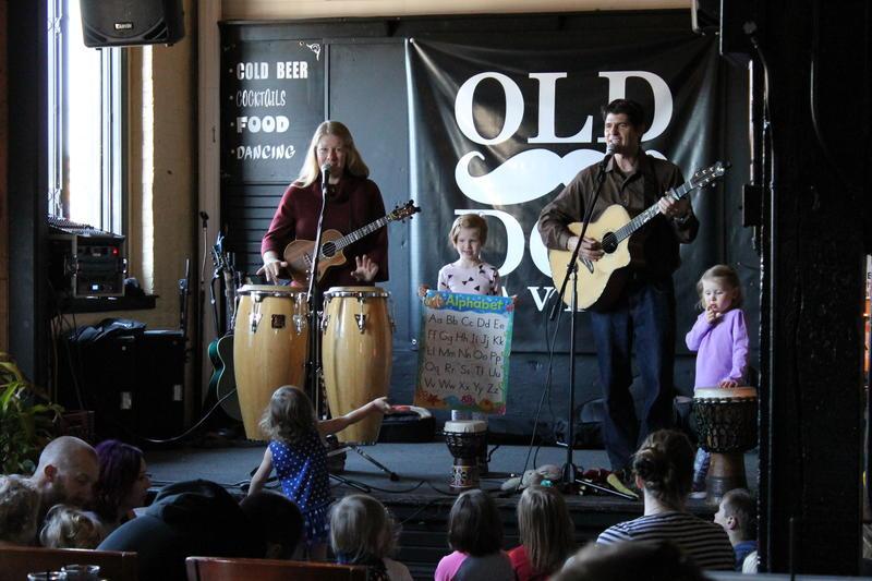 BenJammin & Analisa at Old Dog Tavern in Kalamazoo