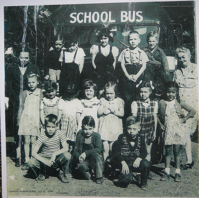 A later class photo from the No. 10 School