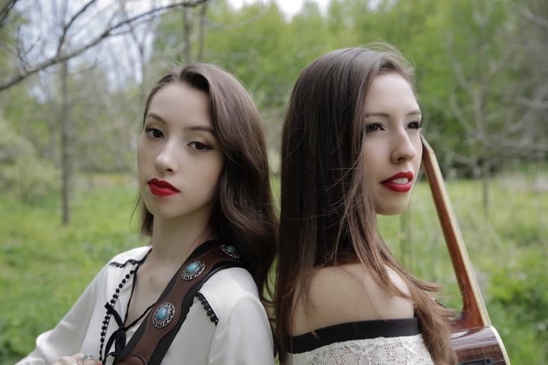 Sisters and musicians Sage Moser (left) and Zoie Moser (right)