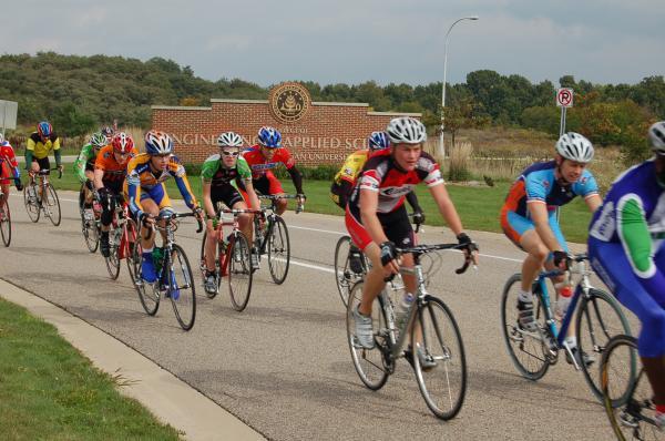 Criterium bicycle race at WMU's BTR Park