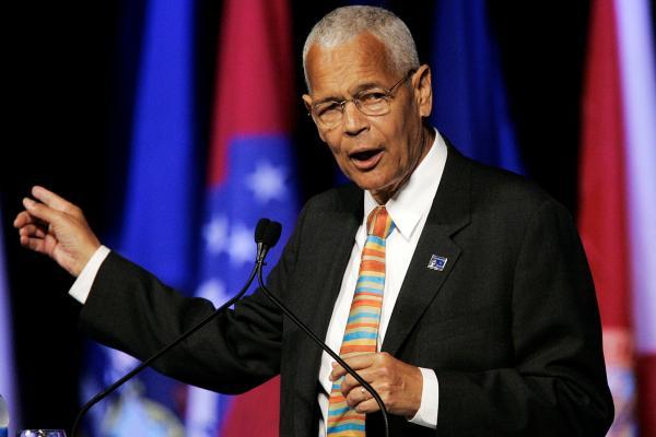 Julian Bond speaking in Detroit in 2007 - file photo