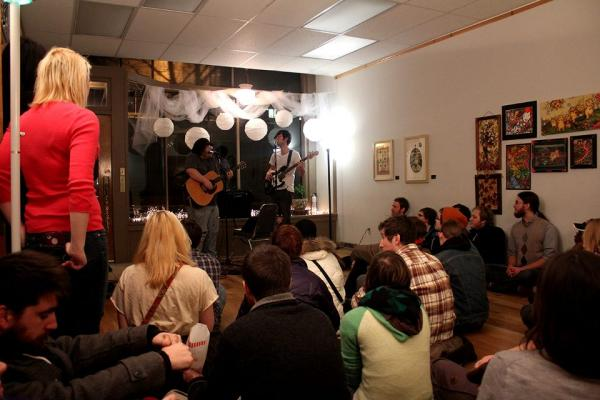 Guitarists perform at a fundraiser for the KCAC in January 2013. The Kalamazoo Collective Arts Center is hosting a series of how-to workshops in June.