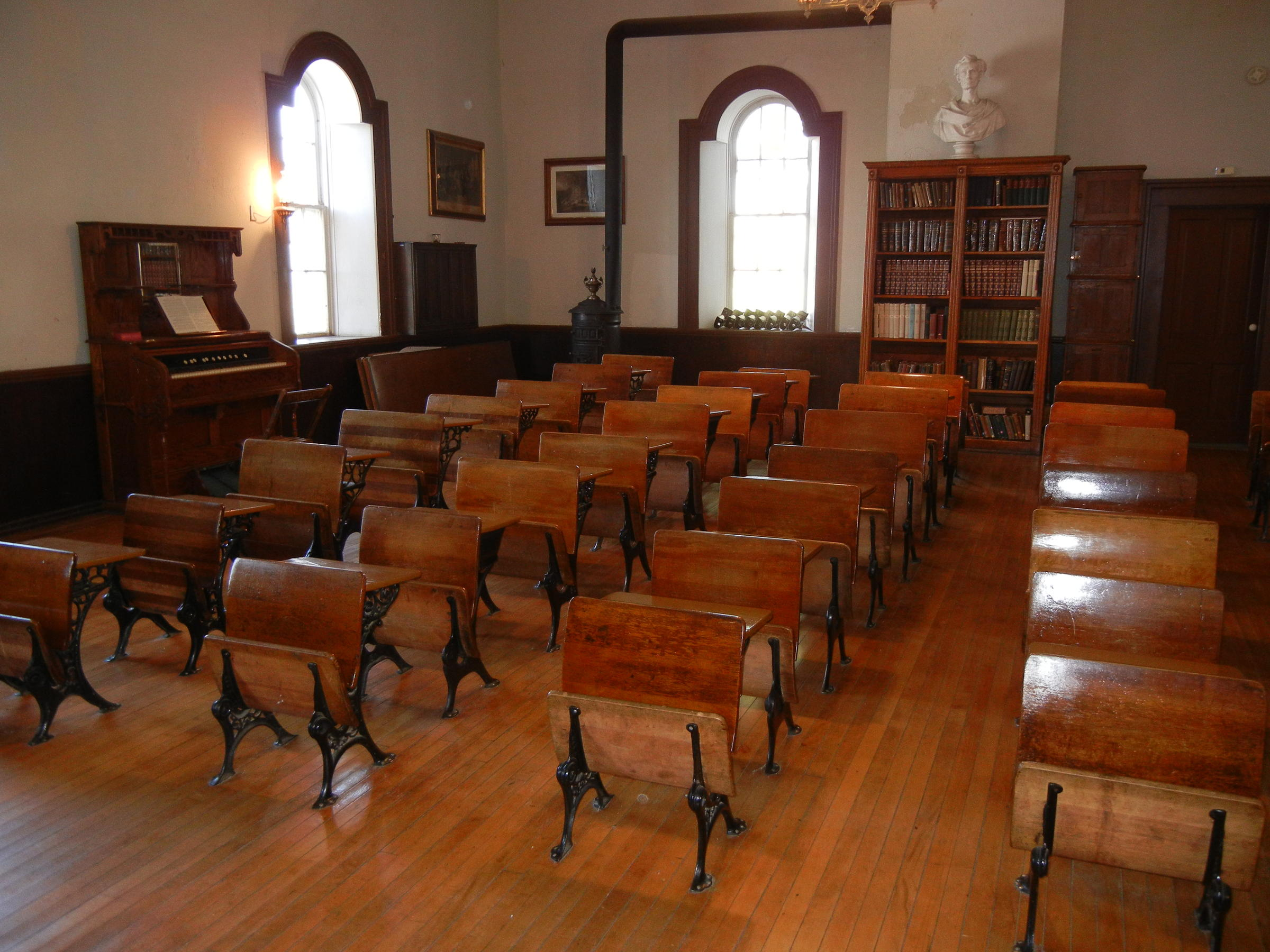 One room schoolhouse restorers reminisce about class in for One room home