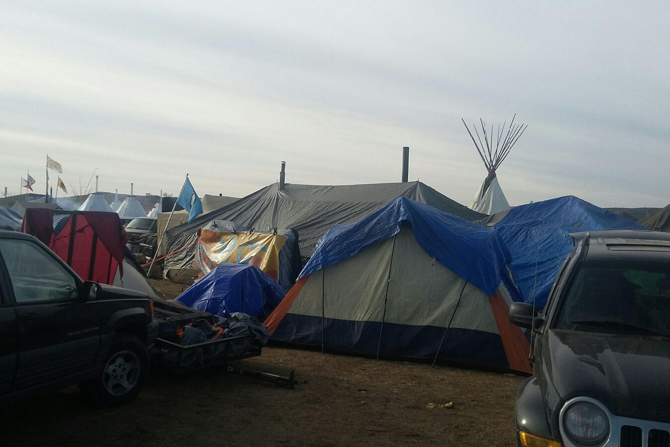 Tribal leader renews call for pipeline foes to leave camp