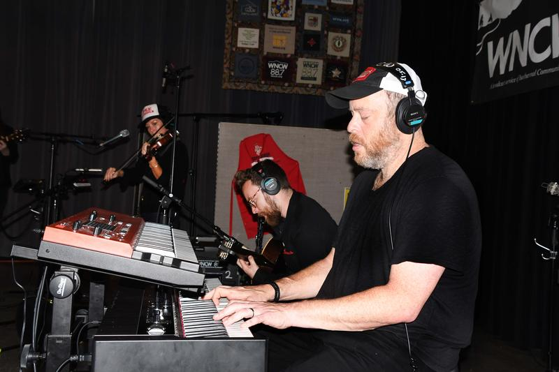 keyboardist playing music