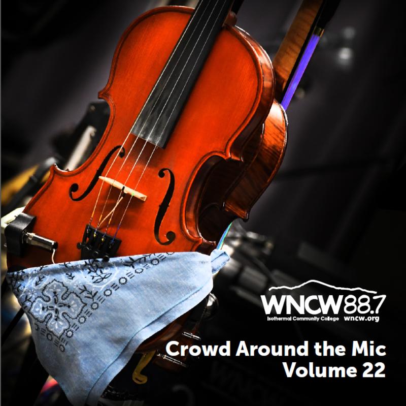 Crowd Around The Mic CD 22