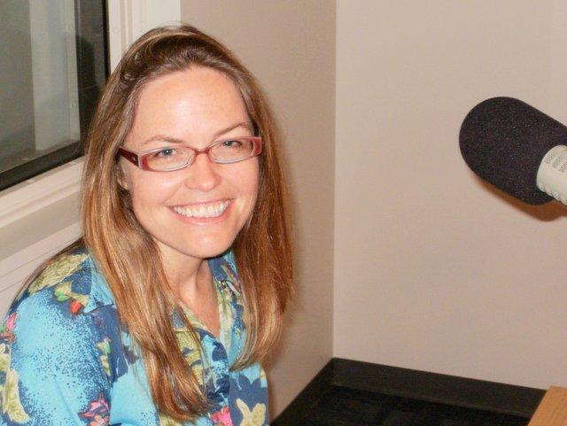 Molly McNett visits WNIJ to discuss One Dog Happy.