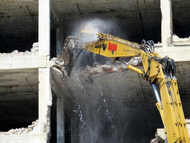 Demolition of Tapco Building in downtown Rockford begins, 6/20/12.