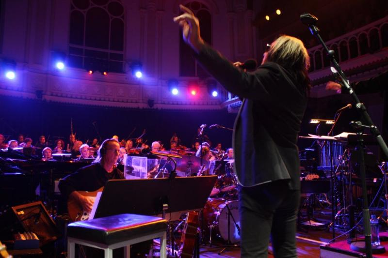 Rundgren conducting the Metropole Orchestra