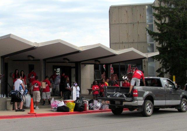 There was no shortage of help with the move during NIU's Move-In Day.