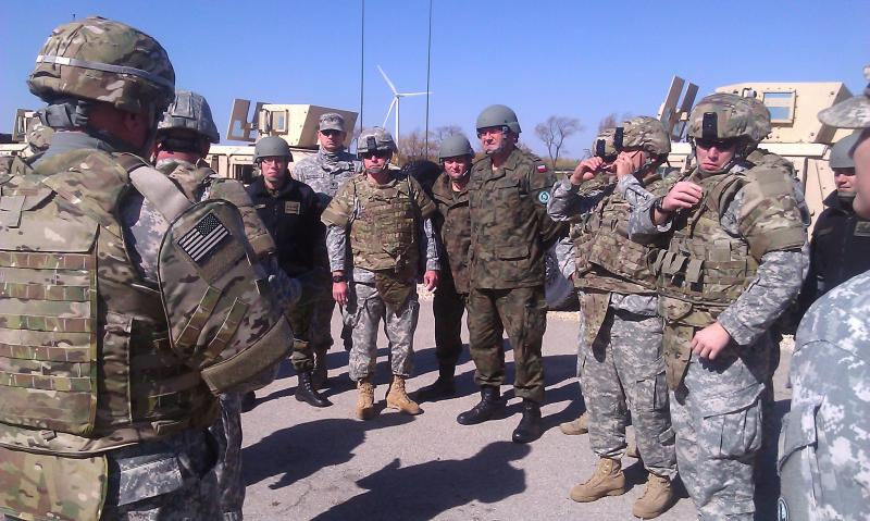 Polish and American soldiers training in Marseilles, IL