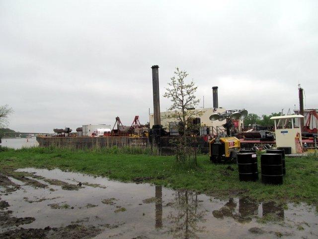 Area of Illini Park where dam repair is taking place