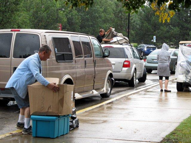 The rainiest NIU move-in day in recent memory