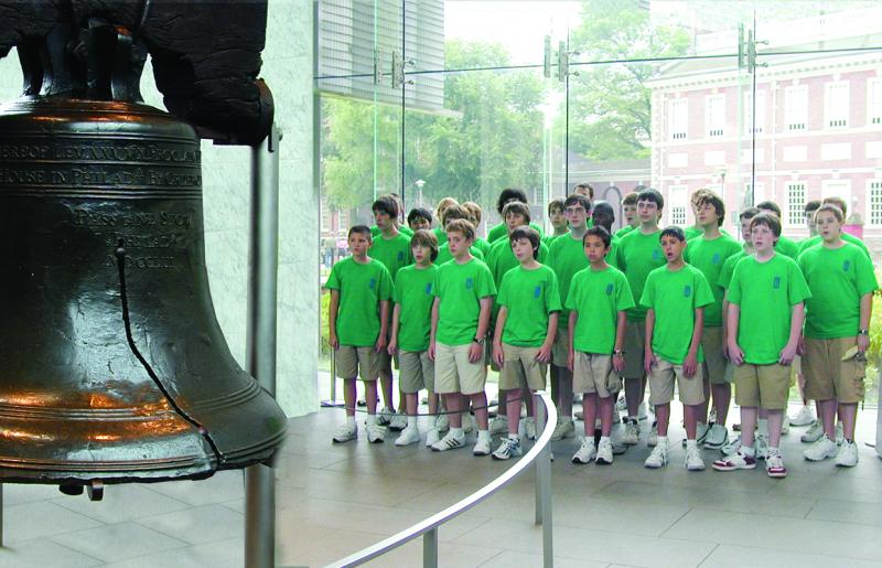 Viewing the Liberty Bell on tour in 2009