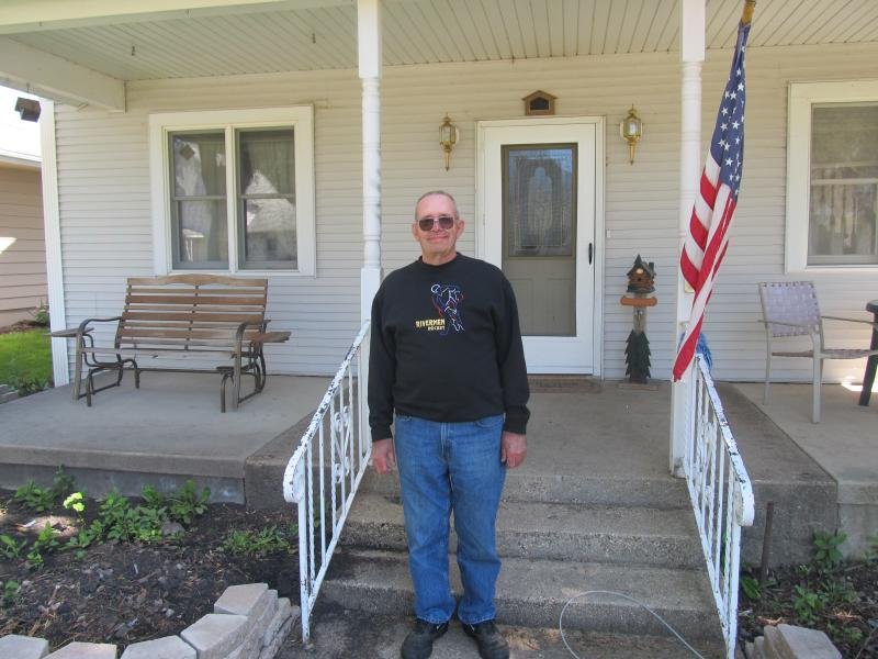 """""""Twilight Sleep baby"""" Glen Lange, of Princeton, stands in front of the former Angear Hospital in Sublette"""