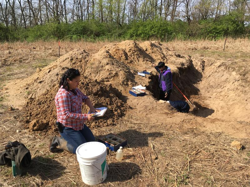 Students from the University of Illinois practice soil classification at Indian Hill Farm near Rockford