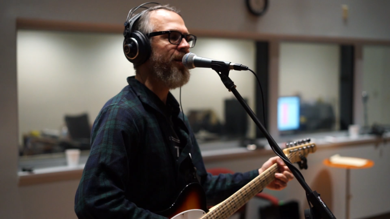 Dan Whitaker & The Shinebenders perform in WNIJ's Studio A
