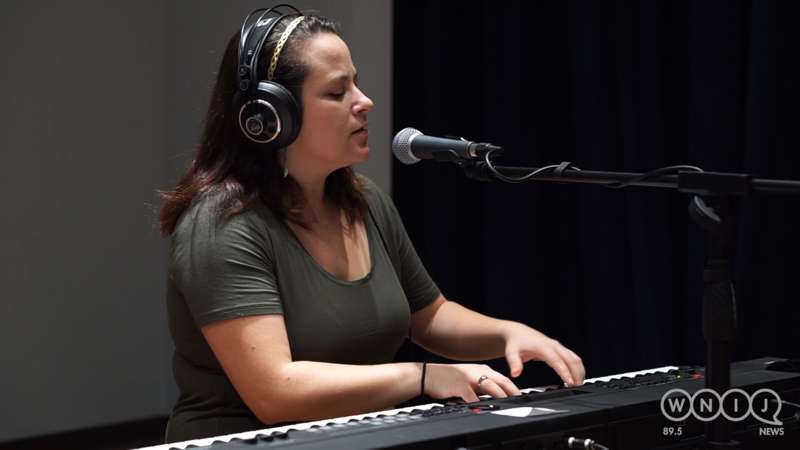 Sarah Eide performs in WNIJ's Studio A