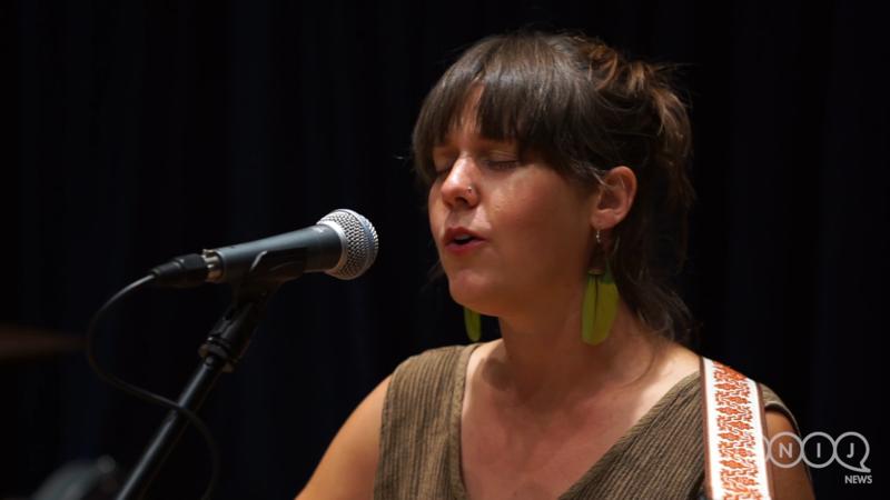 Kendra Swanson performs in WNIJ's Studio A