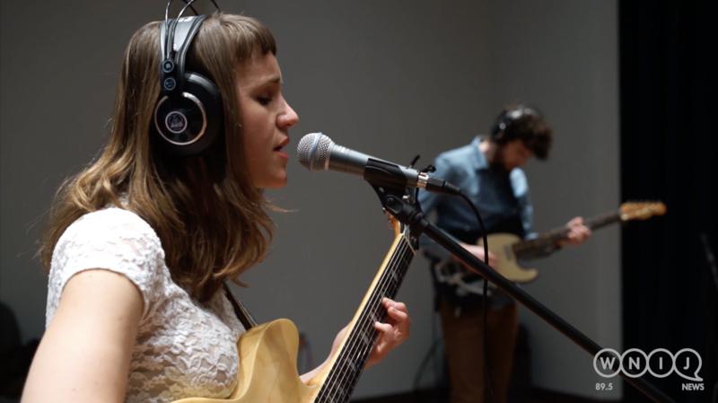 V.V. Lightbody performs in WNIJ's Studio A