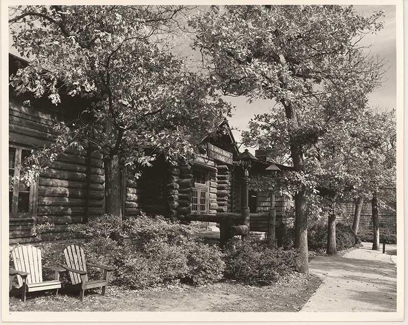 1960's photograph of the Starved Rock Lodge