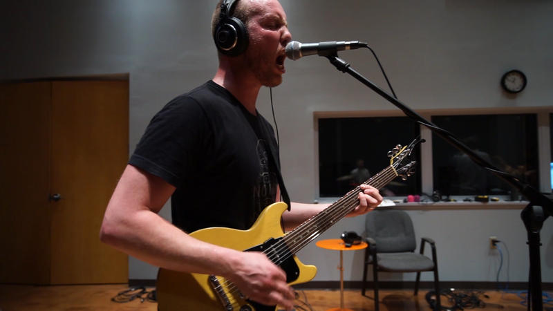 sewingneedle performs live in WNIJ's Studio A