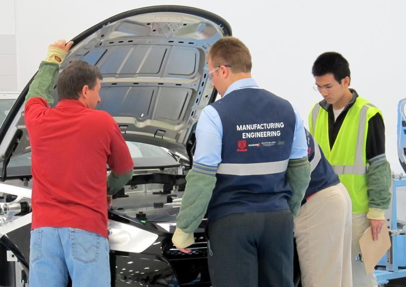 More under-the-hood analysis at Chrysler's Metrology Lab