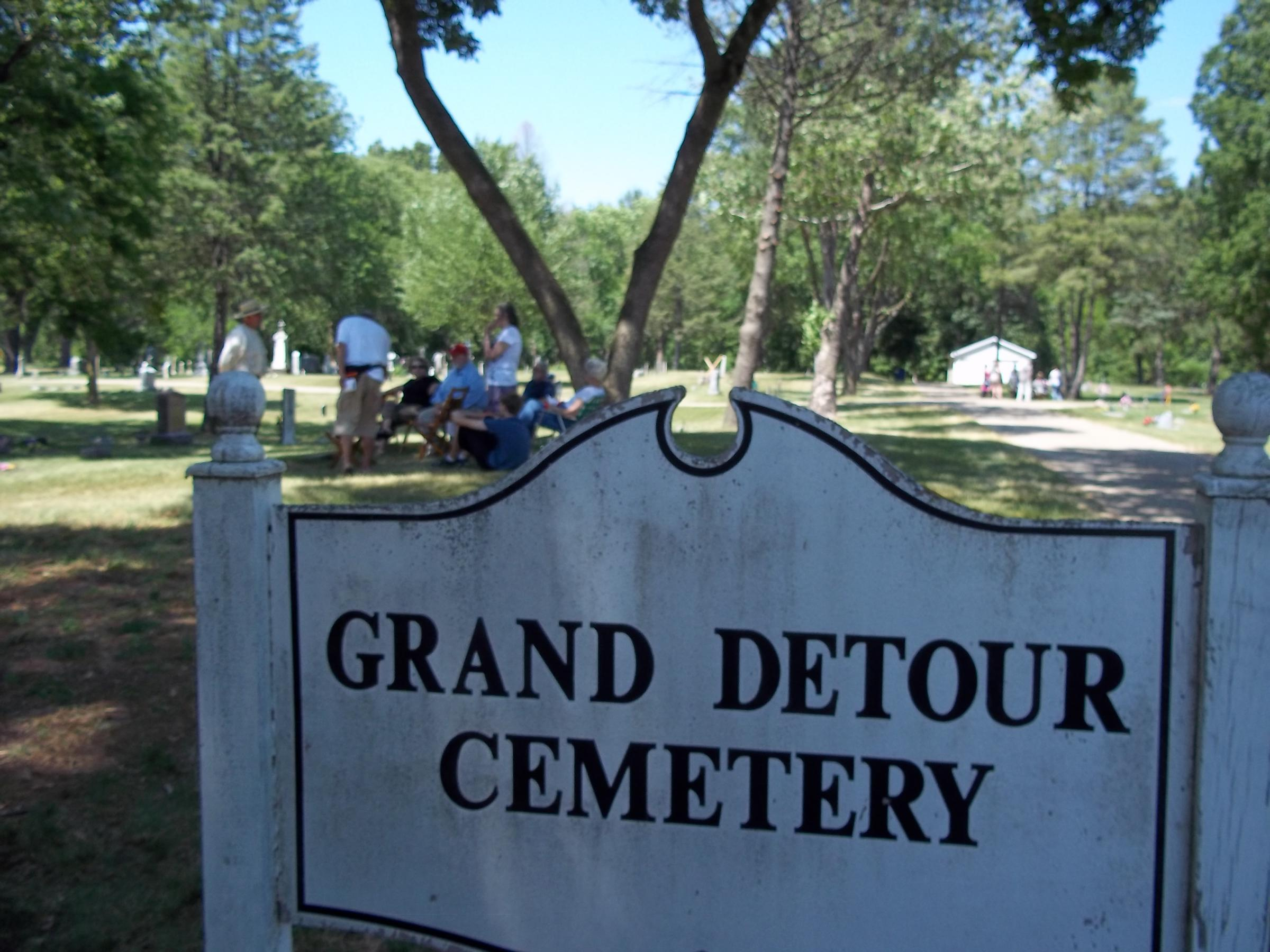 Grand Detour Celebrates History In Cemetery Wnij And Wniu