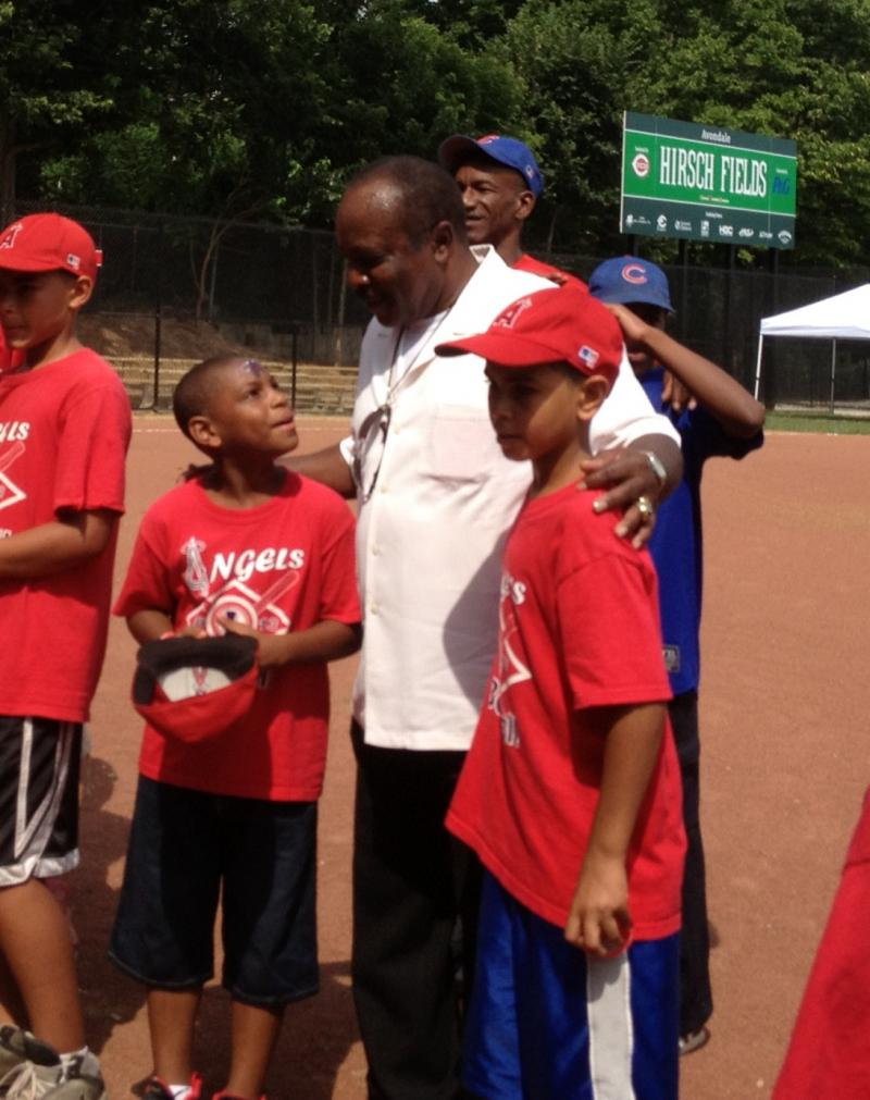 Baseball's Joe Morgan encourages little leaguers