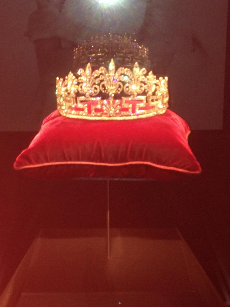 This double tiara opens the exhibit