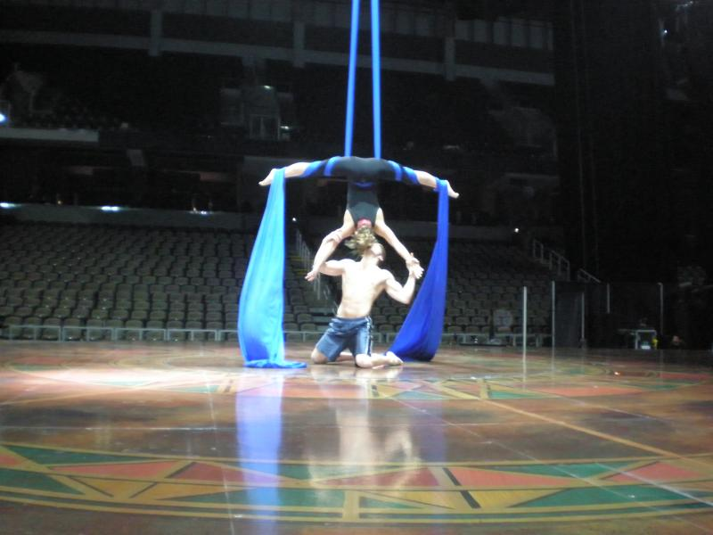 Cirque du Soleil's romantic couple from Dralion rehearse aerial routine at Bank of Kentucky Center