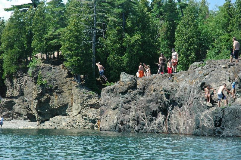 Black Rocks Jumper Rescued From Frigid Lake Superior Wnmu Fm