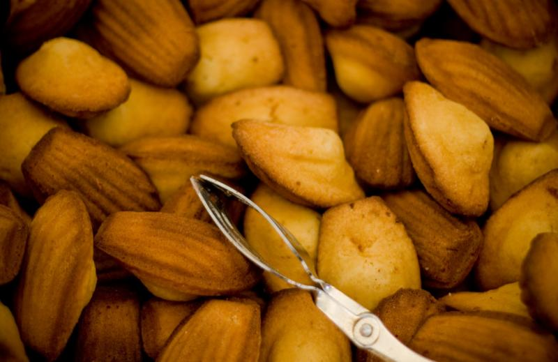 Madeleines are small, shell-shaped sponge cakes. They figure prominently in Proust's novel.