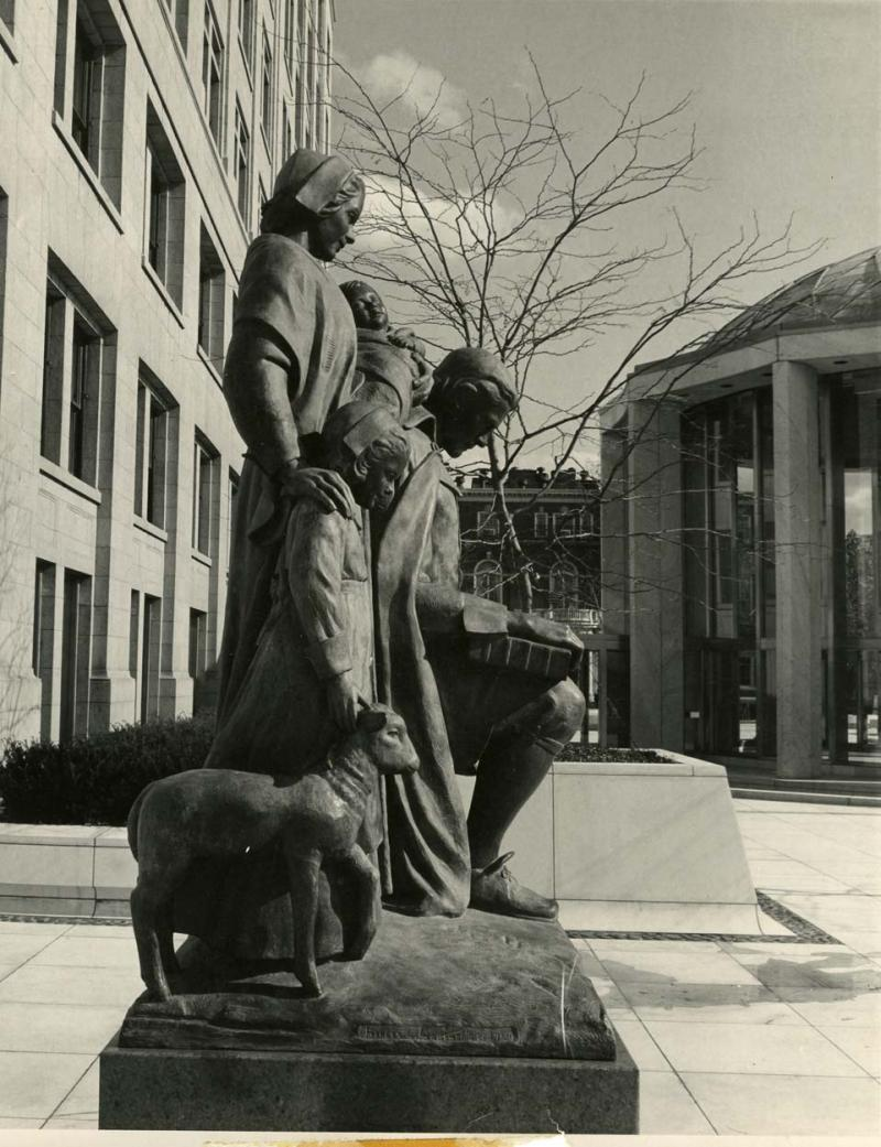 Safe Arrival. Photograph, 1960s. Safe Arrival, in Tower Square, features a Puritan family, typical of Hartford early English settlers.