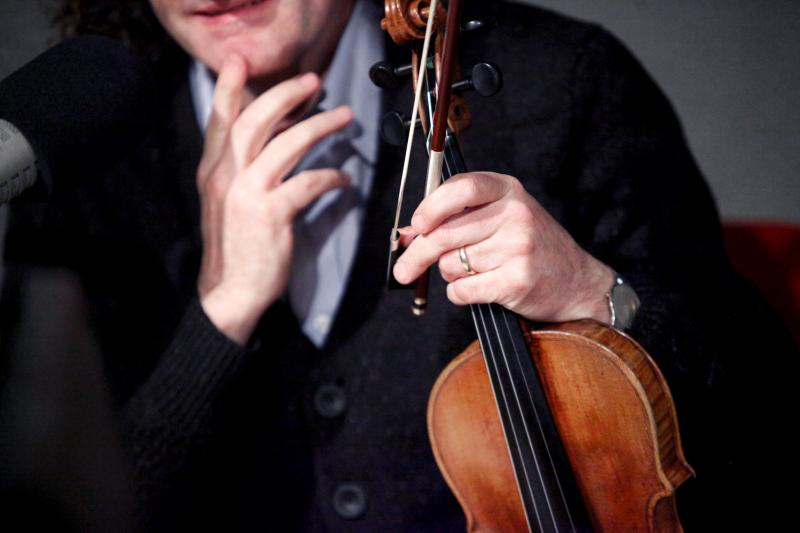 Martin Hayes is one of the world's most creative and accomplished fiddlers, hailing from County Clare, Ireland.
