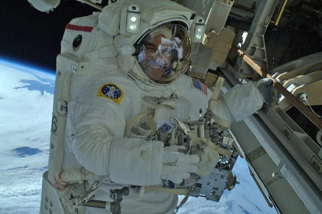 Rick Mastracchio during a Christmas Eve spacewalk outside the ISS.