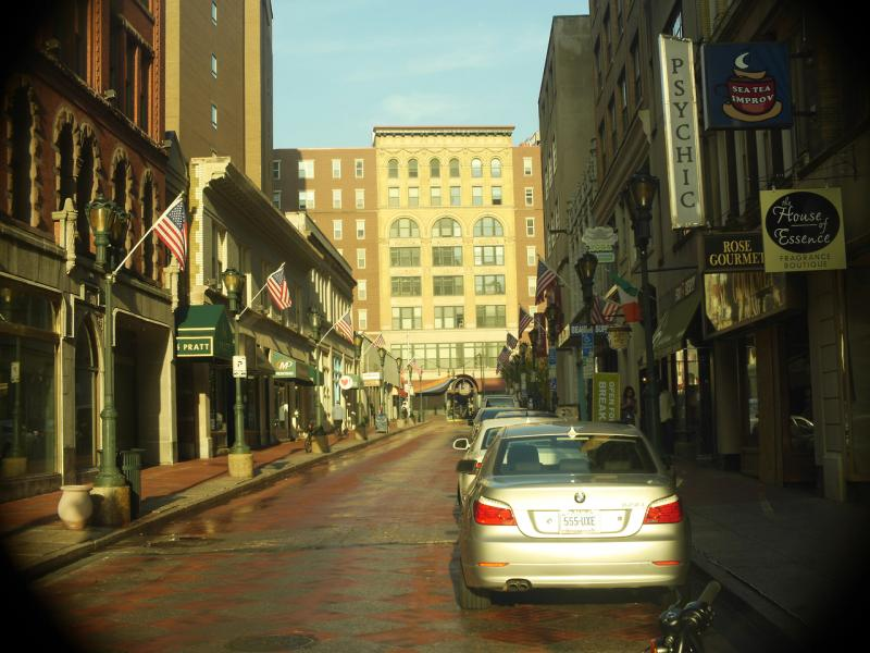 Pratt Street in downtown Hartford has several small storefronts.