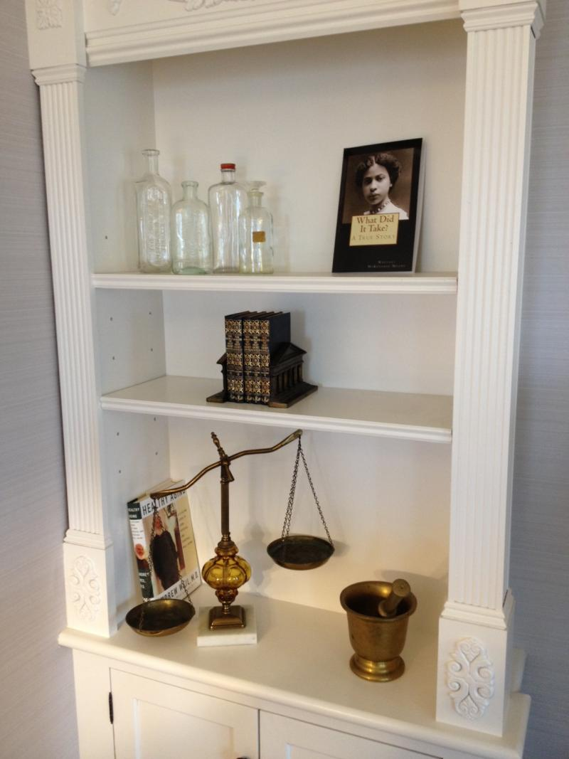 Each of the rooms is named for a prominent local person. Here the tools of the trade of pharmacist Anna Louise James are displayed.