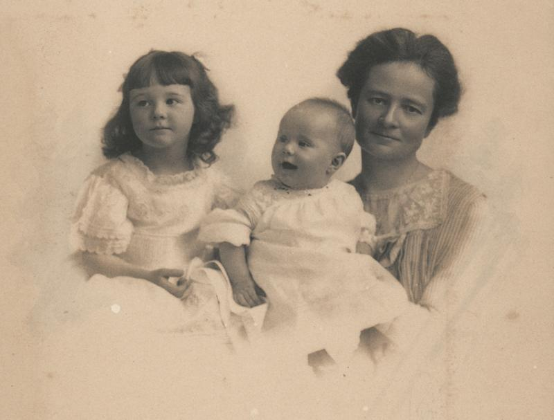 Louise Veeder with her two daughters, Josephine and Dorothy, photograph c. 1912-1913.