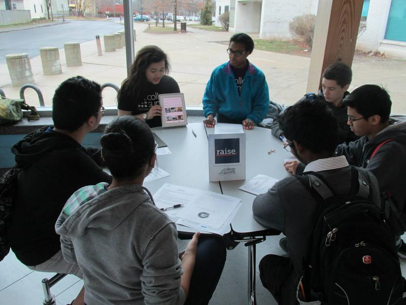 College Summit peer leaders train students on one of the apps at the App-a-thon.