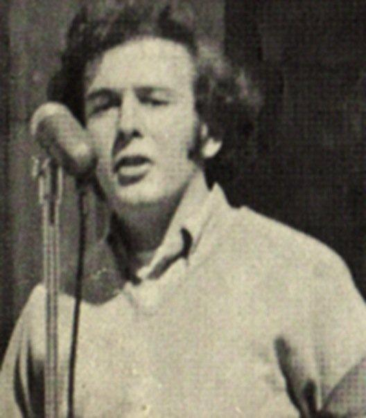 Mike Alewitz giving a speech at the University of Texas in 1971.